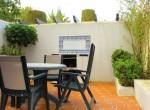 13-EL09-Private courtyard