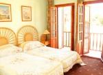 16-EL09-Master bedroom