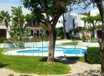 8.Small swimming-pool Around villas